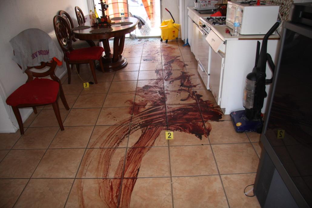 Inside of apartment where victim was shot 2 1030x687 Dezynfekcja po zmarłych